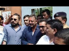 Sanjay Dutt at his mother Nargis grave at Bada Qabrastan, Mumbai.