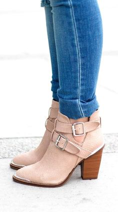 These chunky heeled blush booties are so very cute. I love the buckles and style for fall, and the colour gives the feel of the light shoe without the harshness of white.