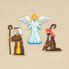 This tender Nativity scene features the Holy Family, 3 Wise Men, 2 shepherds, the angel, and a host of animals in mini beads. Designed by Kyle McCoy. Pearler Bead Patterns, Perler Patterns, Pearler Beads, Hama Beads Disney, Christmas Perler Beads, Beading For Kids, Beaded Angels, Hama Beads Design, Iron Beads