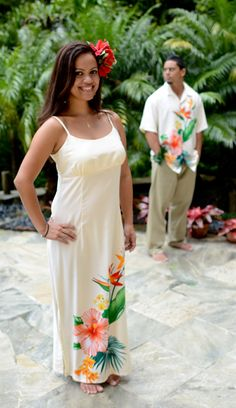 Beautiful dress and couple! Island Wear, Island Outfit, Polynesian Dresses, Hawaiian Dresses, Hawaii Dress, Tropical Outfit, Matching Couple Outfits, Dress Patterns, Sewing Patterns