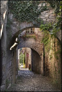 St-Cirq Lapopie - the most beautiful village 2012 in France
