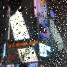 Raining cats and dogs #ny #nyfw #taxi #timessquare