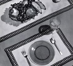 Luncheon Set Edging crochet pattern from Ideas for Gifts, originally published by Coats & Clark, Book 255, in 1949.