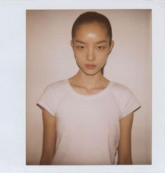 I love models with porcelain doll looks! My fave babydolls: Baby Gemma Ward (the classic one). Fei Fei Sun, Sun Models, Model Polaroids, Baby Dolls, Girl Fashion, Stylists, T Shirts For Women, Digital, Lady
