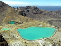 Blue Pools, Tongariro Crossing in New Zealand