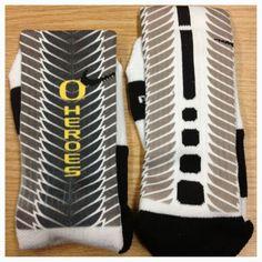 oregon nike elite socks | Oregon Ducks mens basketball to wear - To The Athletes Who's Photos ...