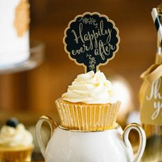 Cupcakes are key to a happily ever after, or at least that's what our taste buds like to tell us! Xoxo @weddingchicks PC: @mariebleyer #cupcake #wedding #food #instafollow #love