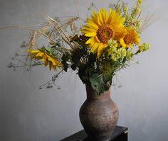 Літо промайнуло... . . . . .  #ukraine #kramatorsk #nature #naturmort #naturelove #sunflowers #flowers #art #ceramics #artstudio
