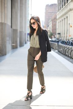 Good morning! Sharing my olive ensemble from recent finds at Express. The soft blouse is the perfect weekday-to-weekend piece, in a perfect shade of olive. And no working closet is complete without a boyfriend blazer: this one is exactly the length of blazer I like to wear right now. Hope you're having a wonderful weekend! …