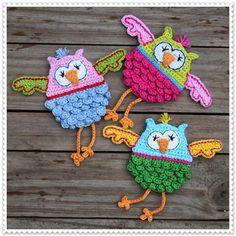 Owl Applique pattern by CAROcreated design Ravelry: OWLBERTA! - crochet pattern for an owl, applique, pdf pattern by CAROcreated design. - crochet pattern for an owl, applique, pdf pattern by CAROcreated design. Spiral Crochet Pattern, Owl Crochet Patterns, Crochet Birds, Crochet Chart, Cute Crochet, Crochet Motif, Crochet Flowers, Ravelry Crochet, Crochet Appliques
