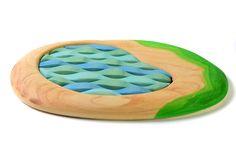 ✅ Cauti Jucarii din lemn? Descopera pe bumbutoys.ro Jucarii natura Lacul Puzzle . Lacul puzzle este o scena din natura care poate primi orice figurina tematica si mai poate prinde copilul plictisit in rezolvarea puzzle-ului cu valuri. Formele mlad... Non Toxic Paint, Nature Table, Wood Toys, Orice, Fa, Children, Outdoor Decor, How To Make, Puzzle