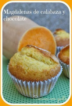 Magdalenas de calabaza y chocolate Más Cupcake Recipes, Allrecipes, Donuts, Biscuits, Cupcakes, Muffins, Bakery, Deserts, Sweets