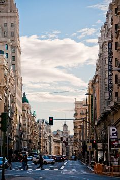 Gran Via by Bracketing Life, via Flickr