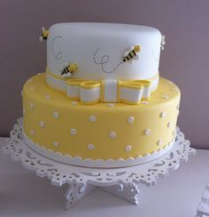 37 Ideas Baby Shower Cookies White Birthday Parties For 2019 Baby Cakes, Baby Shower Cakes, Pretty Cakes, Cute Cakes, Beautiful Cakes, Amazing Cakes, Bee Birthday Cake, Bumble Bee Birthday, Birthday Parties
