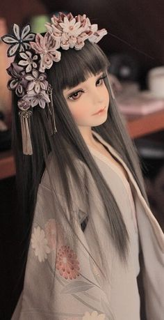 Ball jointed doll - Cute hair piece idea.