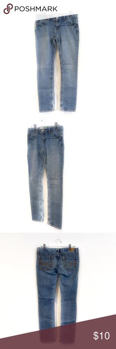 "🔴BOGO FREE🔴Aeropostale Bayla Skinny Jeans ❗️Purchase any item at list price & I will include another item of your choice (of equal or lesser value) for FREE❗️  ••Very good condition-no flaws•• •Button w zipper front •5 pocket style •Whiskering detail •Light fading •Straight leg •9/10  •Waist: 16"" (laying flat) •Inseam: 29.5""  •NO TRADE/HOLD  •YES BUNDLES 👉🏻 BOGO FREE❗️Ask me to create your bundle 👈🏻 Aeropostale Jeans Skinny"