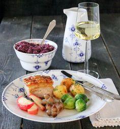 LANGTIDSSTEKT RIBBE MED SJYSAUS   TRINES MATBLOGG Camembert Cheese, Dinner, Recipes, Food, Christmas, Ribe, Dining, Xmas, Food Dinners