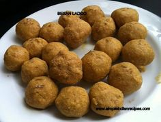 Sweet Chikpea flour balls - Gramflour Laddu - Besan Ladoo