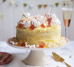 The perfect cake for Prosecco lovers, with the Italian tipple finding its way into the cake, boozy buttercream and Prosecco-flavoured sweet topping Classic Victoria Sandwich, Prosecco Cake, Zucchini Cake, Bbc Good Food Recipes, Cooking Recipes, Brownie Cake, Cake Tins, Savoury Cake, Clean Eating Snacks