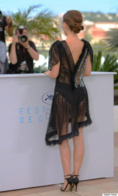 Is anyone else just so OVER the sheer dress? - Natalie Portman Takes Sheer To The Next Level At Cannes Film Festival Celebrity Wallpapers, Celebrity Photos, Celebrity Style, Anne Hathaway, Nathalie Portman Style, Jennifer Lawrence, Natalie Portman Hot, Bollywood, See Through Dress