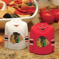 #Chicago #Blackhawks #NHL Gameday Ceramic Salt & Pepper Shakers #stanleycup www.thestyleref.com