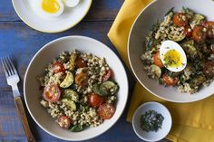 In this clever spin on a classic Italian risotto, we've replaced rice with multi-coloured Jerusalem couscous and subbed in mushroom stock for the traditional chicken broth. We're letting our creative juices flow by adding porcini mushrooms, sautéed zucchini and fresh cherry tomatoes. Because we would never mess with a good thing, we've got a generous helping of Romano cheese, but then we are upping the ante once again with soft-boiled eggs and a salted thyme garnish. Out of the every day, in…