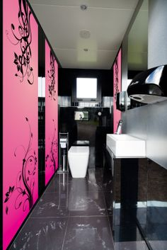 Internal for Ladies Portable Bathroom, Portable Toilet, Florence Italy, Washroom, Toilets, Cube, Wedding Venues, Container, Luxury