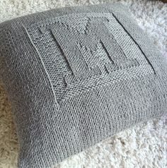 28 ideas for knitting pillow tutorial pictures Knitting Projects, Crochet Projects, Knitting Patterns, Crochet Patterns, Crochet Home, Crochet Yarn, Crochet Shoes Pattern, Knitted Cushions, Diy Vetement