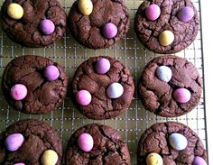 Mini Egg Brownie Cookies - try these delicious Easter cookies to use up all that leftover chocolate! Mini Eggs, Cake Business, Easter Cookies, Brownie Cookies, Cooking Recipes, Chocolate, Sugar, Life, Food Recipes