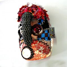 5 litre plastic containers recycled into Afro mask African Masks, African Jewelry, Plastic Containers, Craft Stores, Textile Art, Jewelry Crafts, Afro, Recycling, Banana