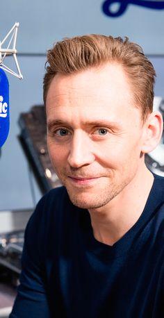 Tom Hiddleston visits Magic Radio on March 2, 2017 in London, UK. Source: Torrilla. Higher resolution image: http://ww4.sinaimg.cn/large/6e14d388gy1fd8rdua2h3j21u62rf7wi.jpg