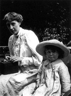 Virginia & Julian Bell,1910.