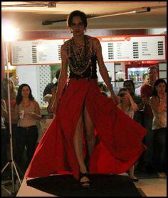 Desfile realizado na Faculdade Moura Lacerda, no dia 06112012. Com uma das minhas criações, no caso a saia.