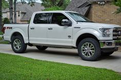 My 2.5 leveled w/ 35s king ranch - Ford F150 Forum - Community of Ford Truck Fans