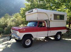 Eight Foot Alaskan Popup Camper on Ford Pickup Truck Source Truck Bed Camper, Pickup Camper, Truck Camping, Camping Trailers, Camper Van, Cool Campers, Retro Campers, Vintage Campers, General Motors
