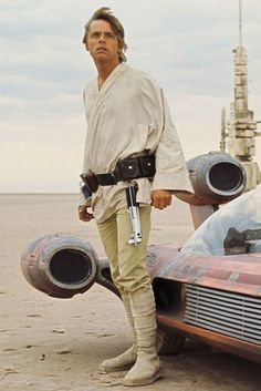 Mark Hamill's 'Star Wars' Return — Wearing Iconic Luke Skywalker Boots? Star Wars Luke Skywalker, Luke Skywalker Costume, Mark Hamill, Cuadros Star Wars, Film Trilogies, Star Wars Pictures, Star Wars Outfits, Star Wars Costumes, Star Wars Wallpaper