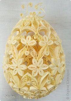 Пасхальное яйцо из бумаги, яйцо фаберже в технике квиллинг. фото 2