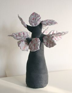 Alice De Page - Mouchette - Réalisation d'arbres en tissus