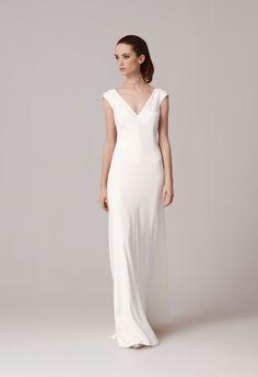 Simple elegant Wedding dress by Anna Kara bridal collection 2016
