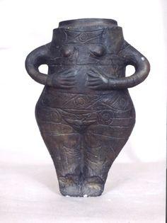 3000 BC, Goddess of Fertility (Vidra), Romanian Pottery Neolithic | Flickr - Photo Sharing!