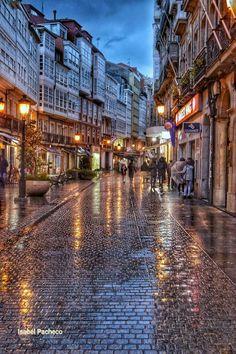 Riego de Agua Perspective Sketch, Rainy City, Rain Photography, Rainy Night, Wattpad, City Streets, Spain Travel, Wonders Of The World, Places To Go