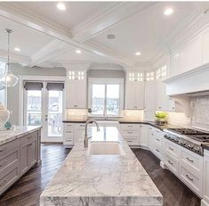 luxury kitchen design ideas we'd copy if money were no object Dream Home Design, My Dream Home, Home Interior Design, Luxury Interior, Luxury Kitchen Design, White House Interior, Dream Homes, Modern House Design, Dream Life