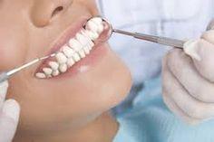 In unserer Zahnarztpraxis in Wien spezialisieren wir uns u.a. auf Implantate. Zögern Sie also nicht, uns zu kontaktieren, wenn es um ein Zahnimplant in Wien
