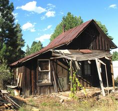 ✿ڿڰۣ(̆̃̃•Aussiegirl  An abandoned shack in Placerville, Idaho
