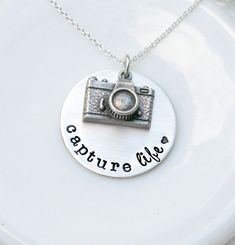 Personalized Camera Necklace  Photography by 3LittlePixiesShoppe #photographer #photography #photographygift #photographerpresent #photographerthankyou