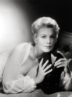 60ee81004820 Kim Novak - Bing Images Vintage Hollywood