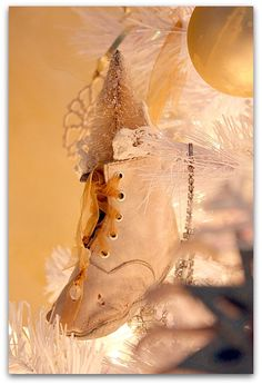 love the vintage baby shoe ornament