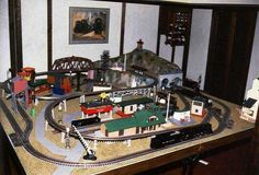 Lionel dealer layouts after 1962