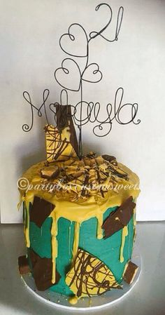 Perfectly imperfect drip cake. This honeycomb mess that tested my cake patience to the max.  Birthday Cakes Mudgee  http://partyboxcustomsweets.weebly.com/blog