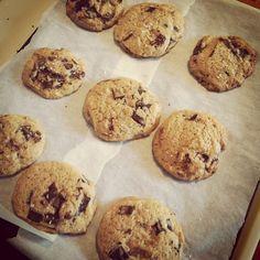 dark chocolate chip cookies w. fleur de sel